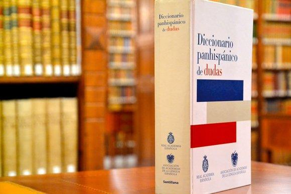kitzalet Diccionario panhispánico de dudas - Queísmo y dequeísmo: cuándo usar cada uno