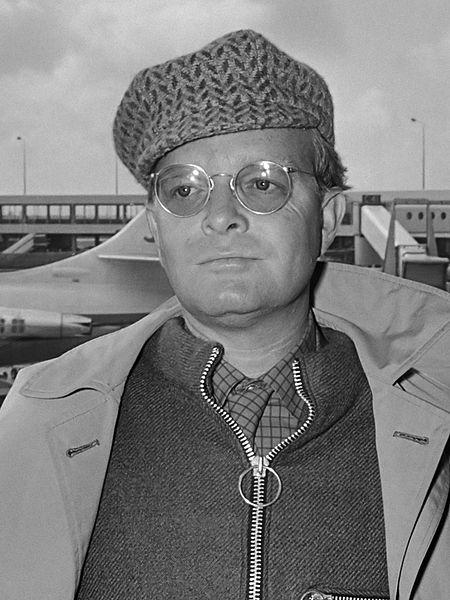 Kitzalet 3 cuentos navideños inolvidables Truman Capote en 1968 - 3 cuentos navideños inolvidables de la literatura universal