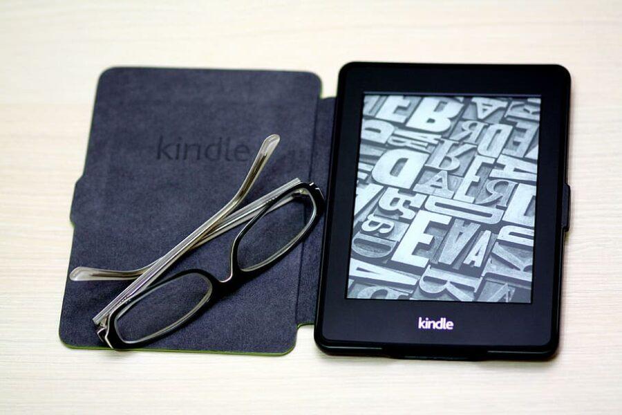 Kitzalet Cómo escoger el título de tu libro Lector Kindle 900x600 - Kitzalet Cómo escoger el título de tu libro Lector Kindle