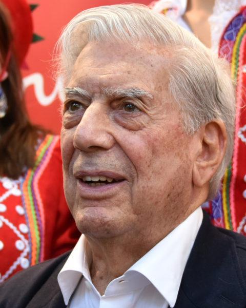 Kitzalet Escribir teatro Mario Vargas Llosa 2019 480x600 - Escribir teatro: el dramaturgo siempre debe pensar lo peor