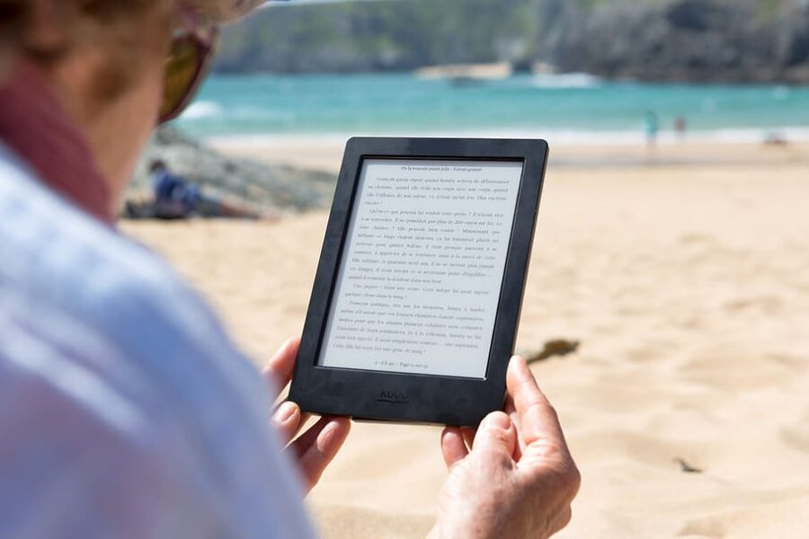 Kitzalet Ha cambiado la cuarentena nuestros habitos de lectura Lectura digital 900x600 - Kitzalet - Ha cambiado la cuarentena nuestros habitos de lectura (Lectura digital)