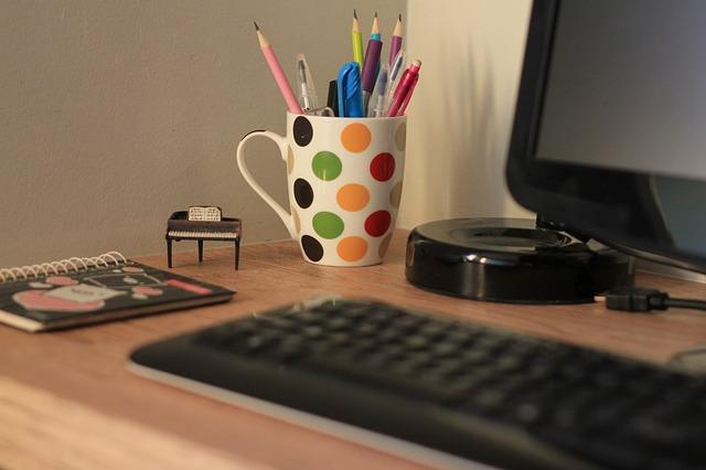 Kitzalet Espacio y tiempo para escribir Escritorio con material de oficina - Espacio y tiempo para escribir: cómo seleccionar el lugar y el momento adecuados (Recomendaciones)
