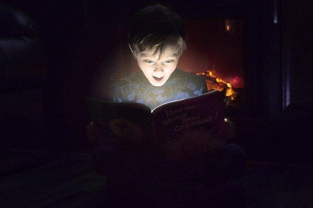 Kitzalet Literatura Infantil disfrutada por todos Nino leyendo - Literatura infantil disfrutada por todos