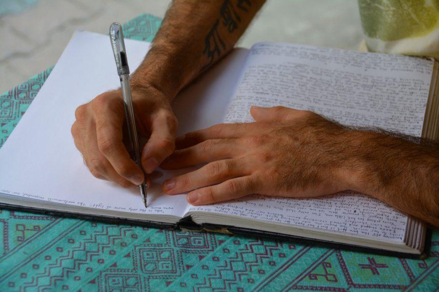 Kitzalet 7 tips para mejorar el habito de la escritura 1 900x600 - 7 tips para mejorar tus hábitos como escritor